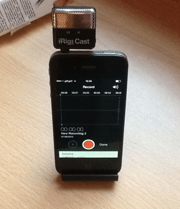iRig Mic Cast in iPhone